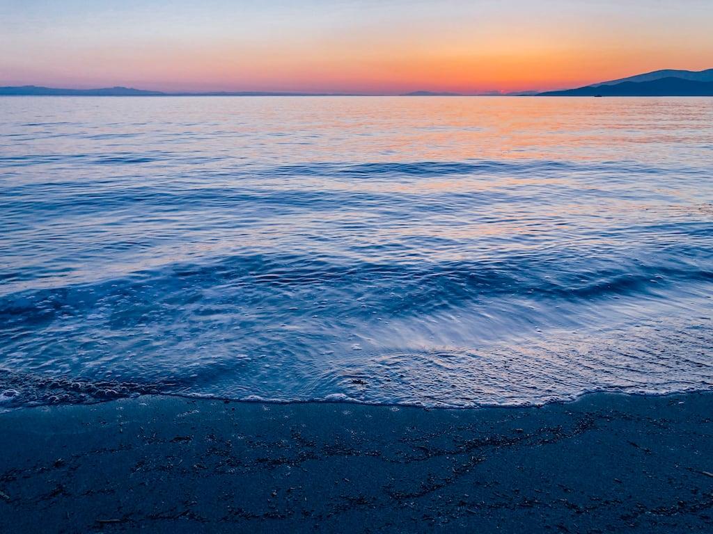 Pôr do sol na praia, em Vancouver! Conheça o lugar e veja mais imagens, clique para ler!