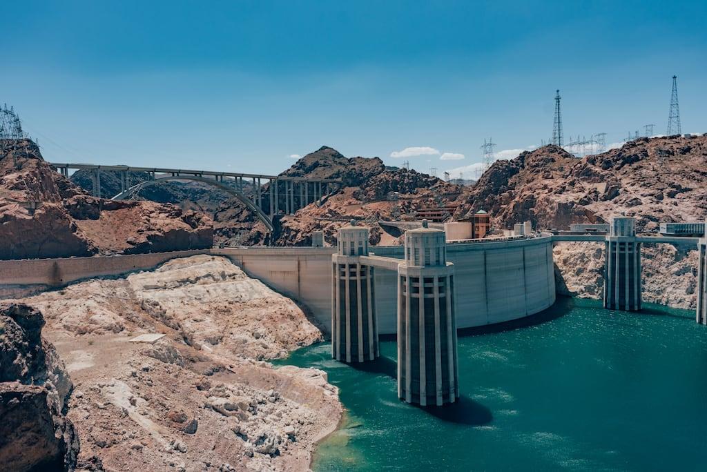 Represa Hoover foi uma das paradas durante nossa Road Trip saindo de Las Vegas. Veja toda nossa aventura e roteiro completo no link!