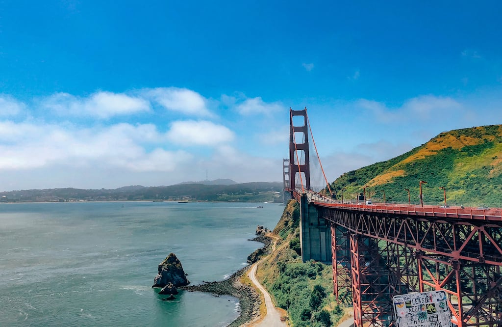 A marcante Golden Gate Bridge de San Francisco. Veja no post opções de roteiro passando pelos principais pontos em um dia. #SanFrancisco #GoldenGate
