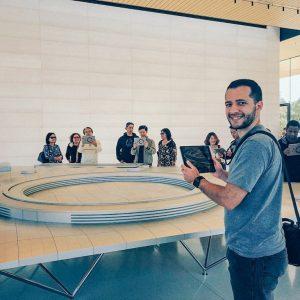 Experimentando a realidade aumentada no Apple Visitor Center. #apple Roteiro de passeios próximos a San Francisco