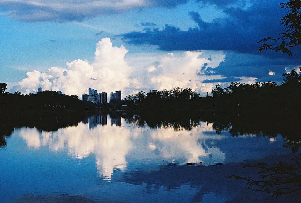 Lago Igapó em Londrina. Filme Kodak UltraMax ISO 400. Veja mais fotos clicando no link! #35mm