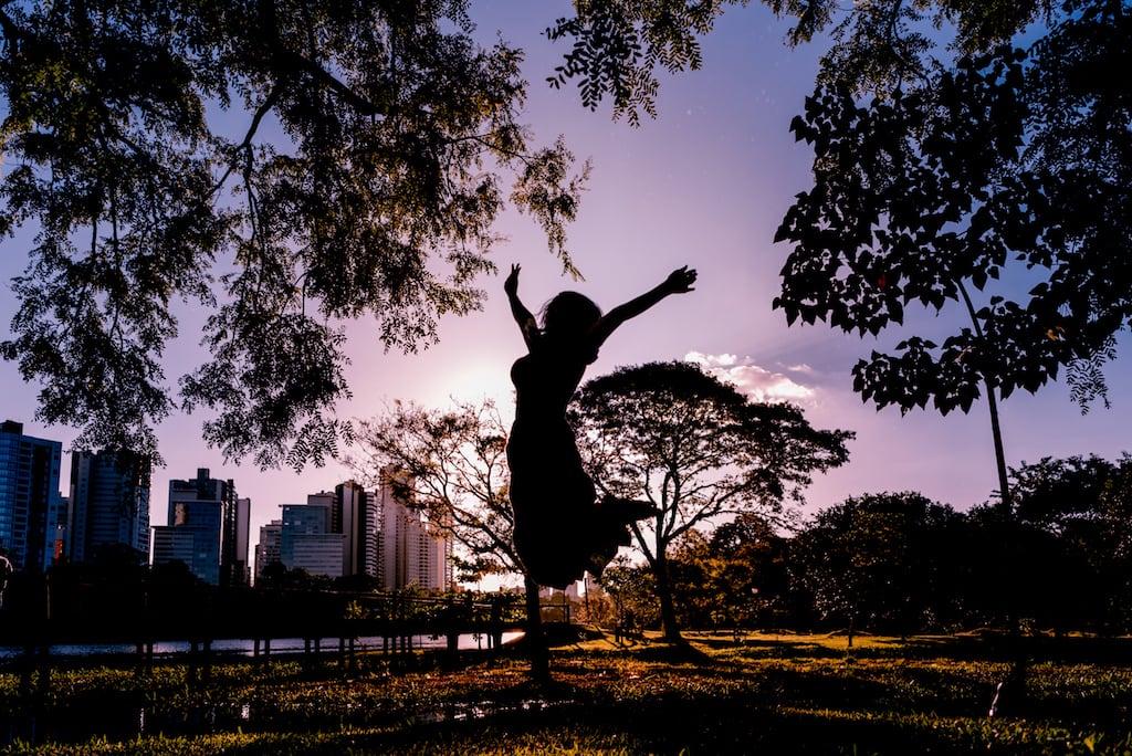 Salto num belo lugar para fotos em Londrina, veja mais no link!