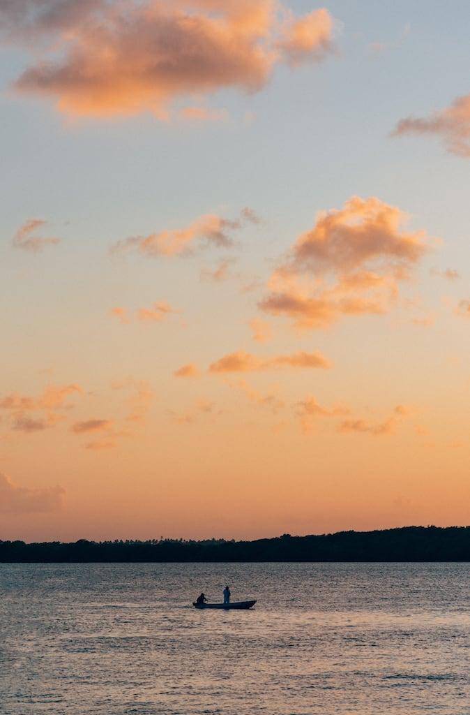 O Pôr do sol na Praia do Jacaré é um passeio tradicional em João Pessoa. Além do espetáculo da natureza, o som do Bolero de Ravel do Jurandir torna o momento mágico. Saiba mais no post! #jampa #dicasdepasseios