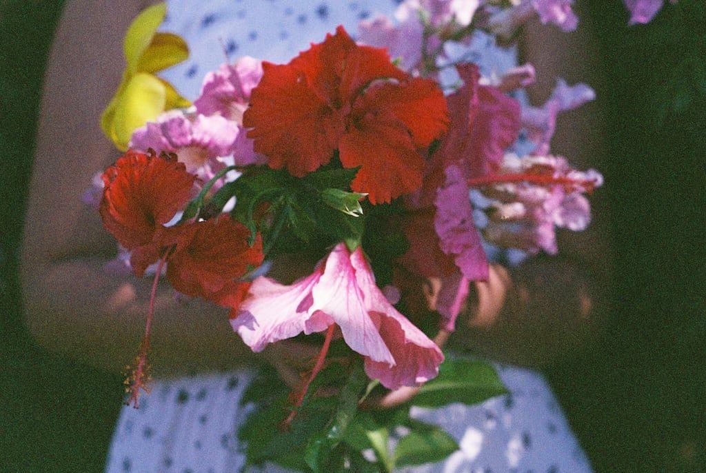 Foto analógica de um buquê de flores! #35mm
