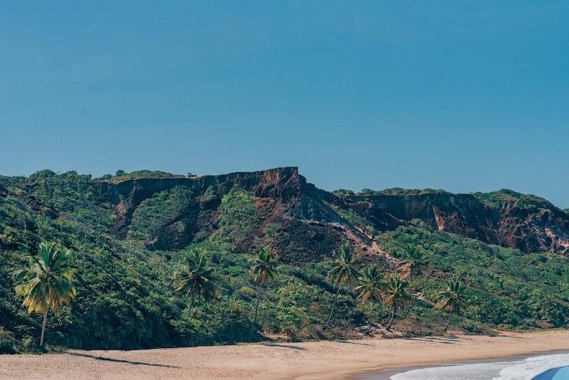 Belas paisagens nessa praia do litoral sul, saiba mais no link!