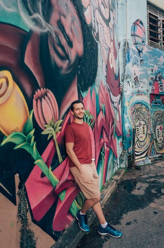 Retratos divertidos e coloridos? Conheça esse pedaço de Goiânia onde a arte faz cenário!