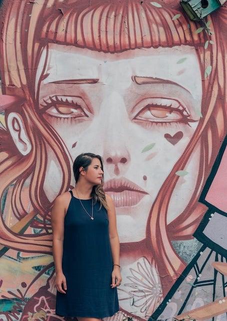 As belas artes do Beco da Codorna em Goiânia são um excelente cenário para fotos! Conheça mais do lugar clicando no link!