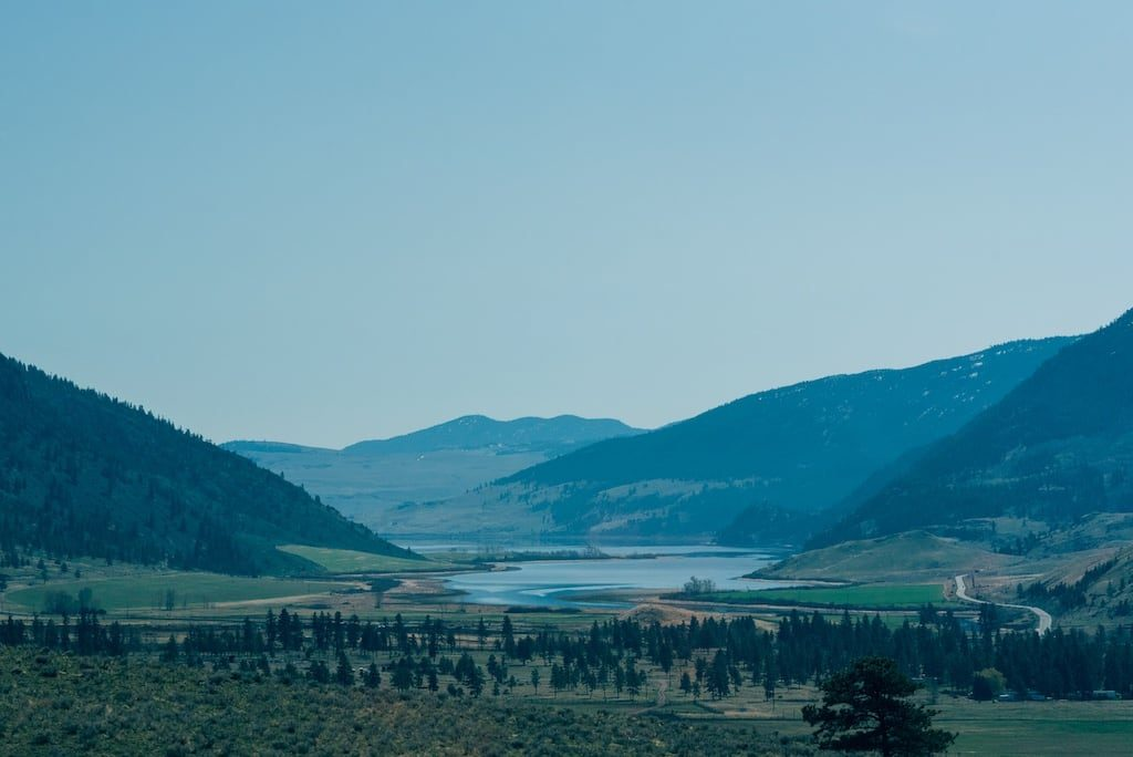 Saindo de Vancouver em direção as Rocky Mountains o caminho tem paisagens maravilhosas. Veja nosso roteiro completo de 4 dias viajando de carro!