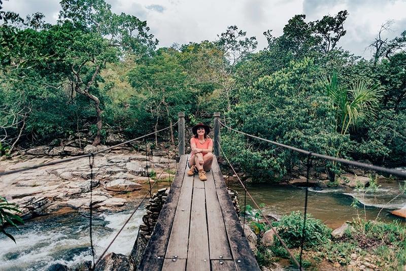 Ponte pênsil na Cachoeira da Usina Velha.