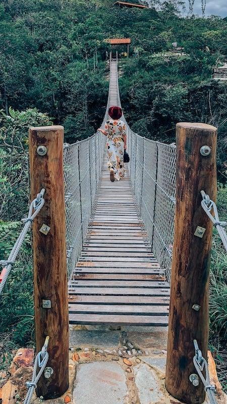 Ponte da tremedeira na cachoeira do Abade!