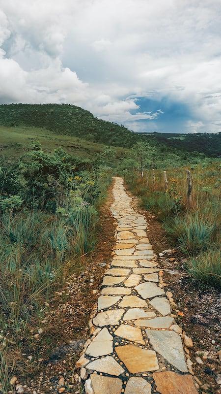Uma parte da trilha do Vale na cachoeira do Abade em Pirenópolis-GO! Clique para saber mais!