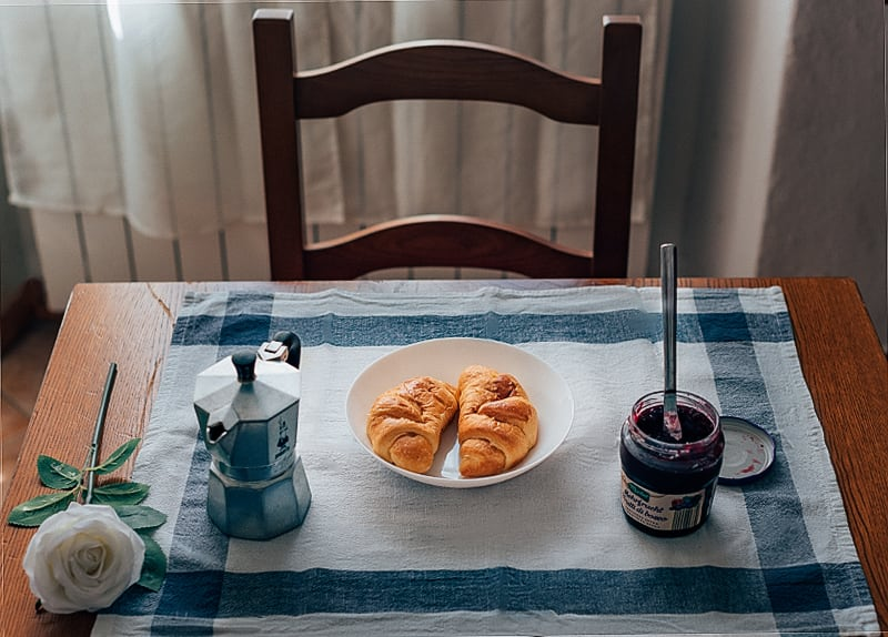 O café da manhã é doce! Descubra essa e outras curiosidade sobre a comida na Itália! Clique para ler.