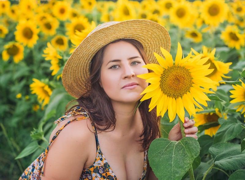 Retrato com flores. Veja o ensaio completo no link.