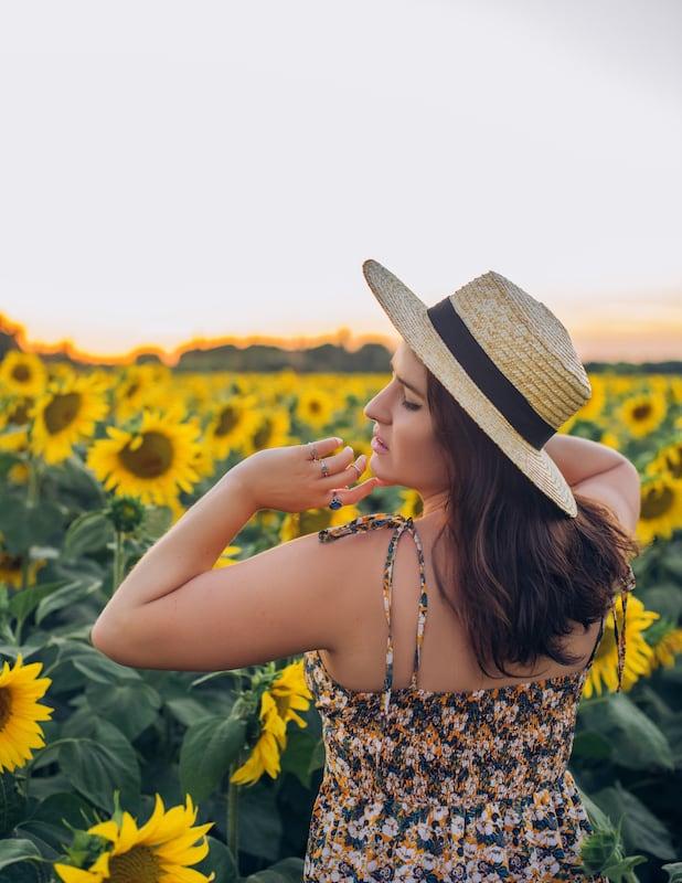 Ensaio fotográfico num campo de girassóis da Toscana!Clique para ver.