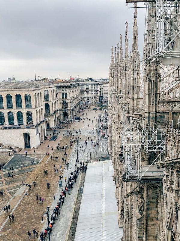 A vista dos terraços é uma dos pontos mais interessantes na visita a Catedral de Milão! Veja mais no link.